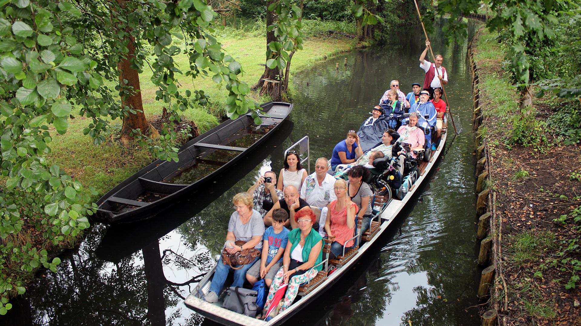 Ausflug und Erleben: Kahnfahrt des ALS-mobil e.V. im Spreewald