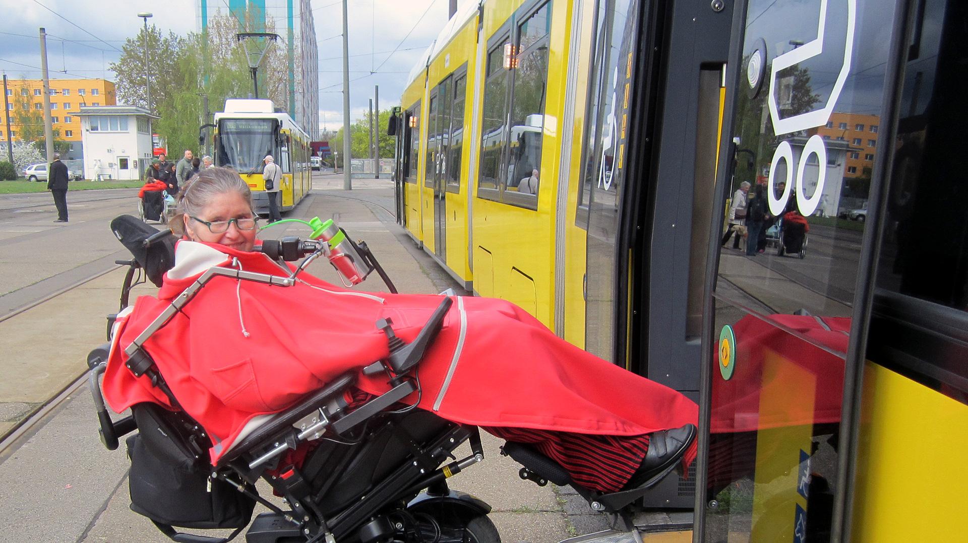 Dr. Ute Oddoy selbstständig und mobil im Nahverkehr (BVG) in Berlin
